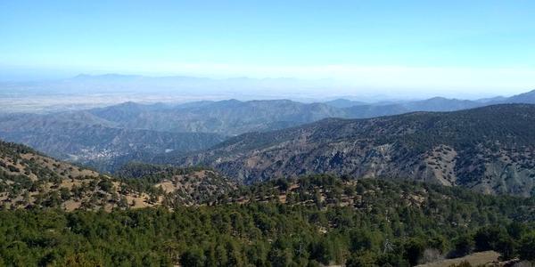Cyprus: Vyhliadka na hory