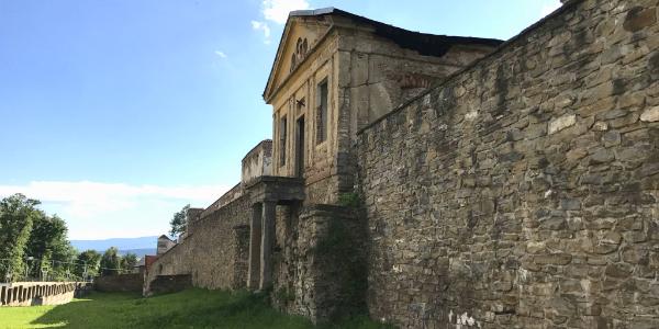 Lervočské hradby