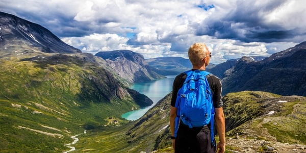 S batôžkom cez hory