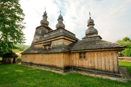 Drevený kostolík v Miroli