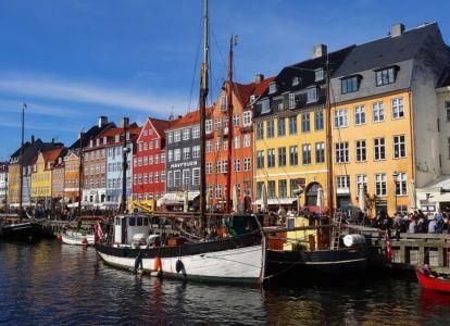 Preslávený Nyhavn s domami zo 17. storočia