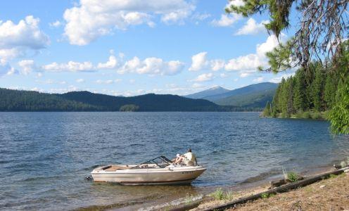 Prekrásne jazero Priest