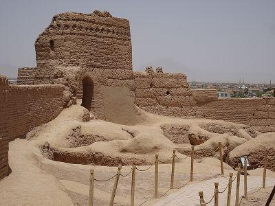 Tisícročia starý hrad z hlinených tehál