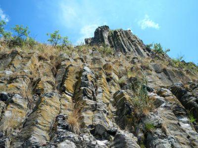 Neprehliadnuteľná Steblová skala