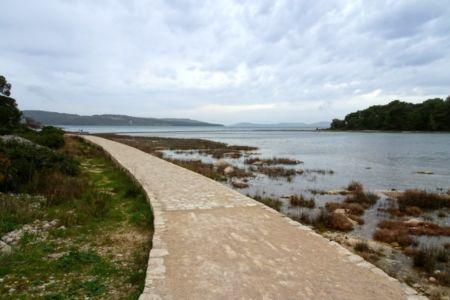 Chodník k pevnosti Sv. Nikolu