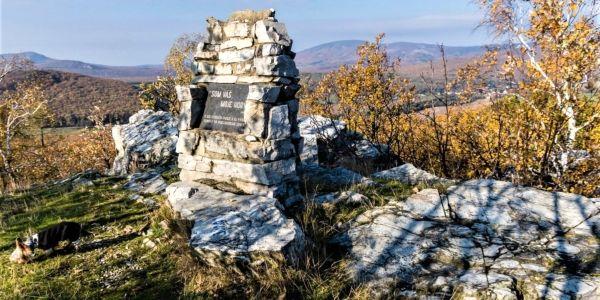 Pamätník horám na Člnku