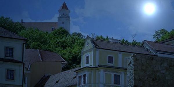 Nočná hra v Bratislave