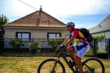 Bicyklovanie po sérii okolo Hlohovca