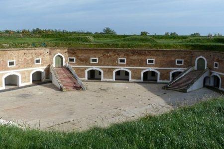 Terezínska pevnosť, Kavalír 2