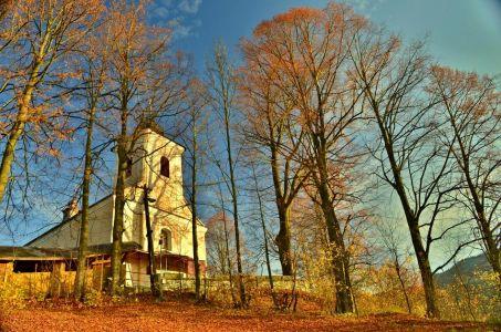 Kostol v Komjatnej