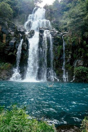 Osviežujúce plávanie v jazierkach pri vodopádoch