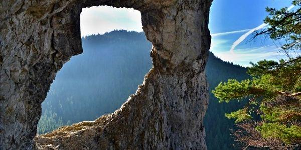 Skalné okno