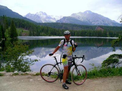 Bicyklovať sa dá všade, aj okolo Štrbského plesa