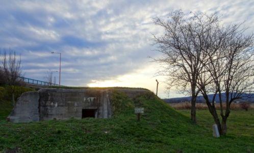Západ slnka nad bunkrom Vrba
